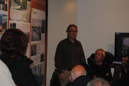 Jaume Vellvehí, president del Grup d'Història del Casal durant l'acte de presentació (fotografia de Llorenç Soldevila)